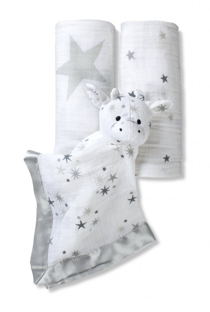 aden + anais baby shower gift set
